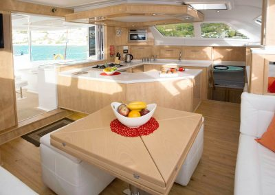 Royal Cape Catamarans, Majestic 530 Fly Galley