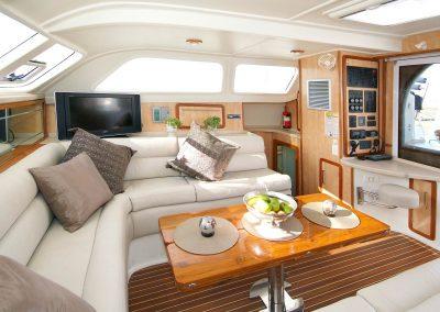 Royal Cape Catamarans, Majestic 530 Salon