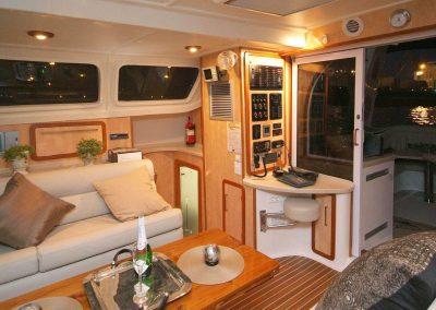 Royal Cape Catamarans, Majestic 530 Sallon