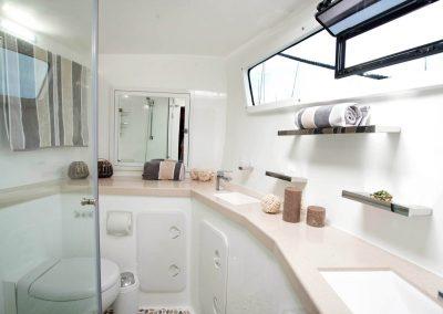 Royal Cape Catamarans, Majestic Bathroom Heads