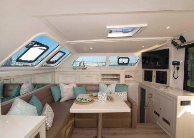 Royal Cape Catamarans, New Luxurious Majestic 570, salon