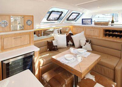 Majestic 530, Luxury Catamaran, Salon